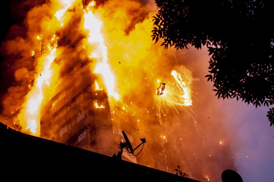 Os corpos que aqui queimam, também queimam como lá: a emblemática tragédia da Grenfell Tower em Londres